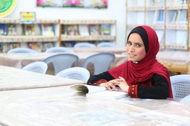 """Alumna de UNRWA en Gaza gana el """"Concurso de Mensajes Inspiradores de Paz 2019"""""""
